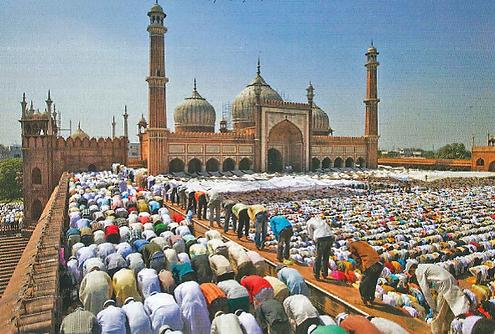 Men praying at mosque.png