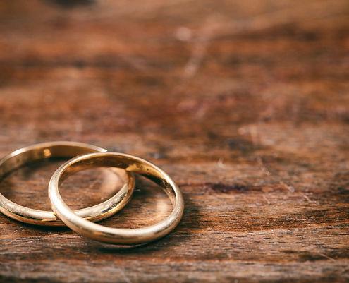 Wedding Rings__iStock-1032111490.jpg