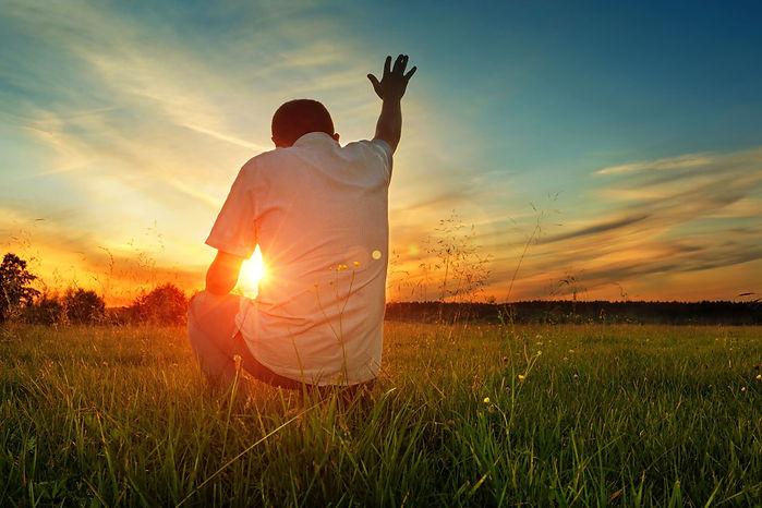 2020 Intercede__Man prayin in sunset__Ja