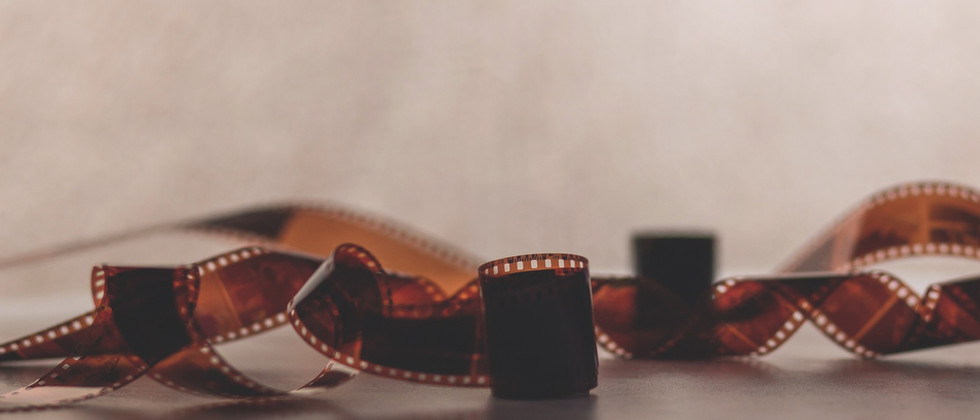 filmstrip-1850277_1920.jpg