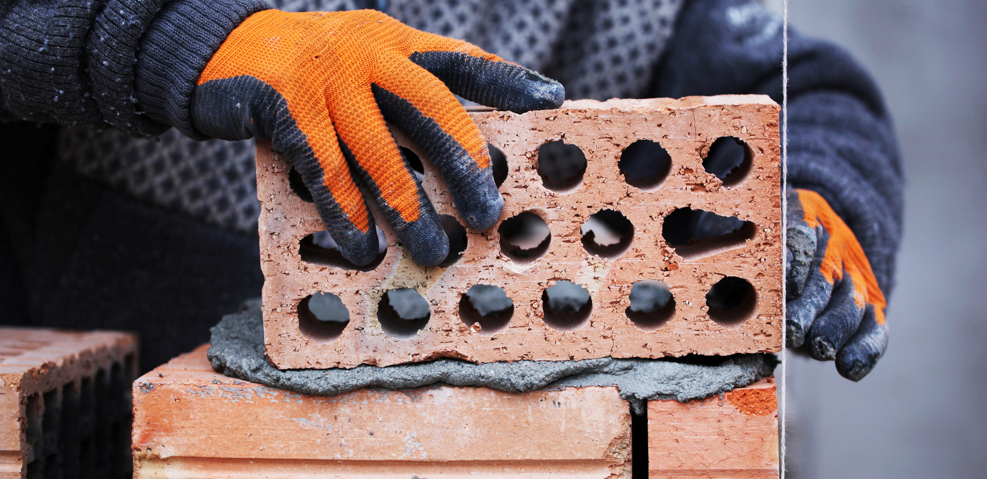 Cegły i zaprawy