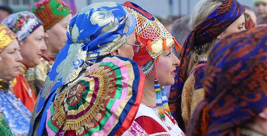 Femmes costumées à Oust-Tsilma république des Komis, été 2017