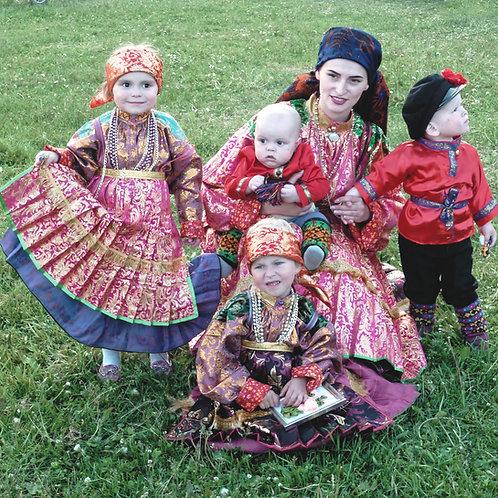 """Photo encadrée """"Famille en costume à Oust-Tsilma"""""""
