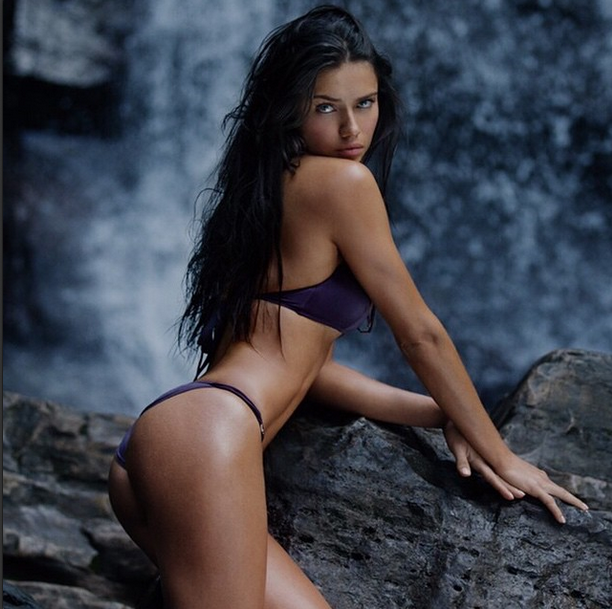 adriana-lima-swimsuit-special.png