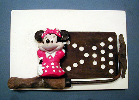 Minnie Mouse with spots to match drainer