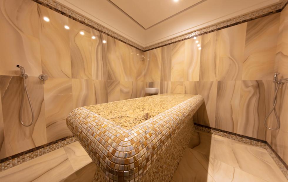 Кабинет VIP. С хаммамом и гидромассажной ванной.