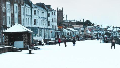 The Snow It Snoweth