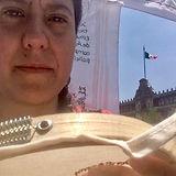 Tania Andrade Olea bordando.jpg
