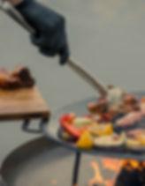 Grilēšanas un salātu knaibles.jpg
