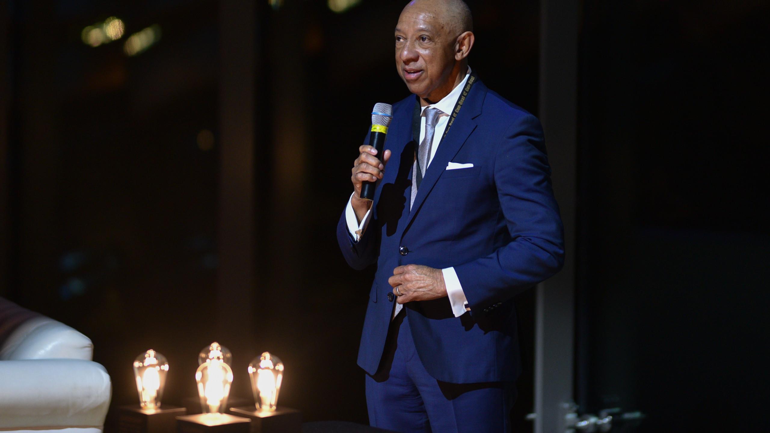 Con-Real CEO Gerald Alley presenting awards
