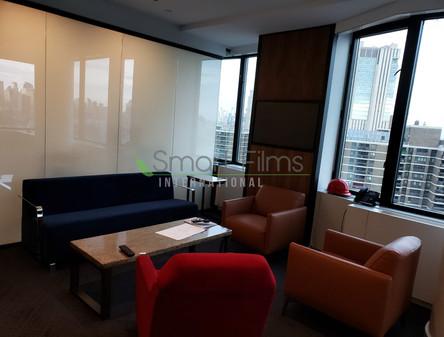זכוכית חכמה משרדים