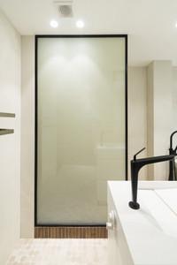 מחיצת זכוכית חכמה חדר אמבטיה מצב אטום