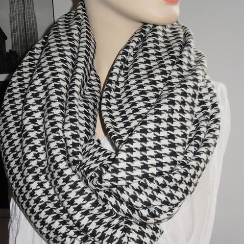 Houndstooth 100% Wool Infinity Scarf
