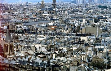 Le Théâtre de l'Arc-en-ciel naît à Paris en 1963