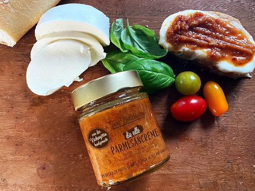 Die edle Parmesancreme mit getrockneten Tomaten und Rosmarin