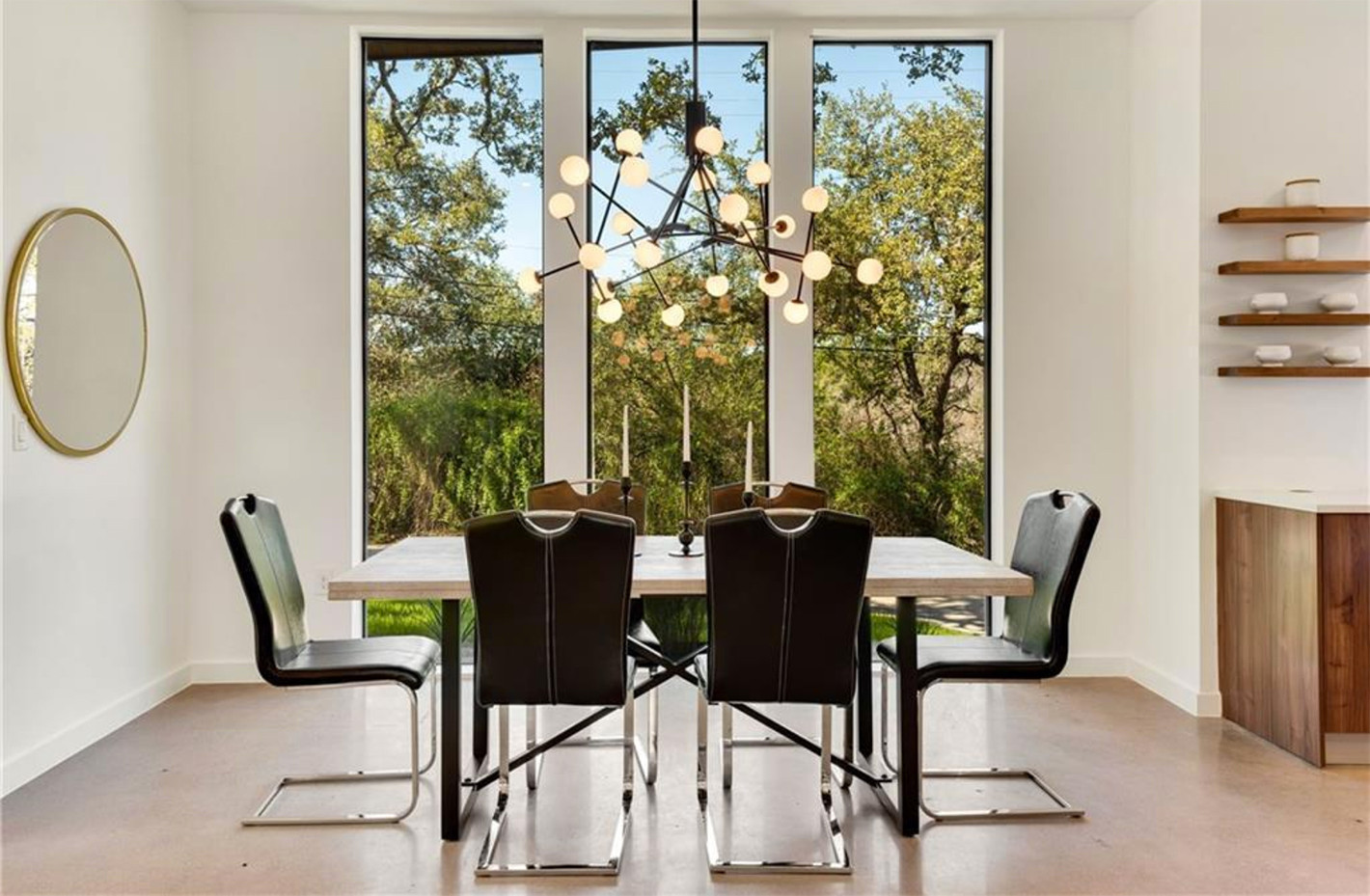 reagan dining room.jpg