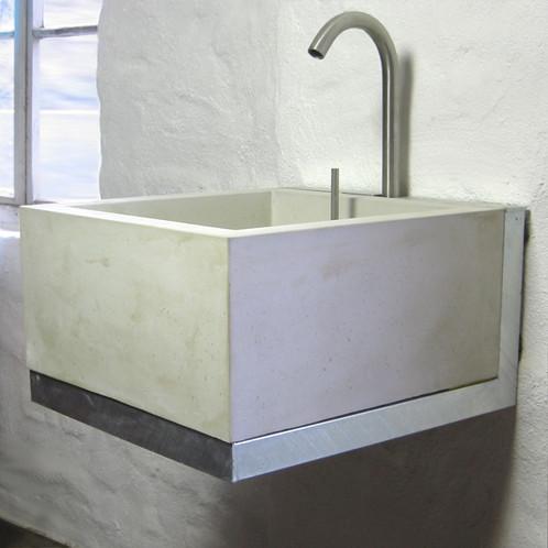 wandhalterung waschbecken bau werkstatt lage outdoork che hofk che aussenk che betonwaschbecken. Black Bedroom Furniture Sets. Home Design Ideas