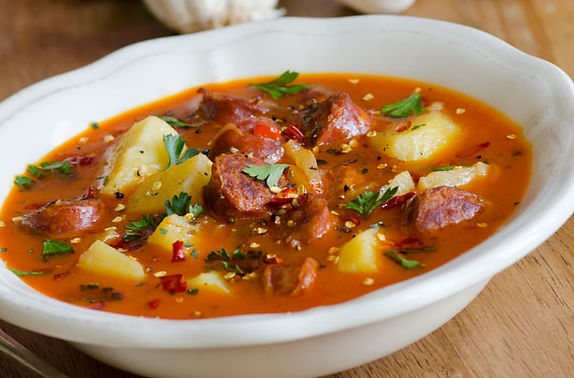 Spanish-style-potato-and-chorizo-soup.jp