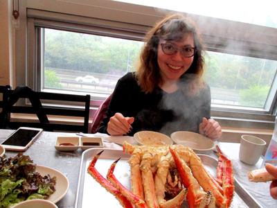 Alaskan king crab for lunch at the Noryangjin Market