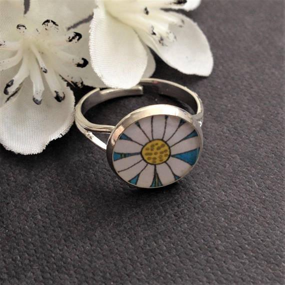 Mega lily designs daisy ring brighton market paper daisy events