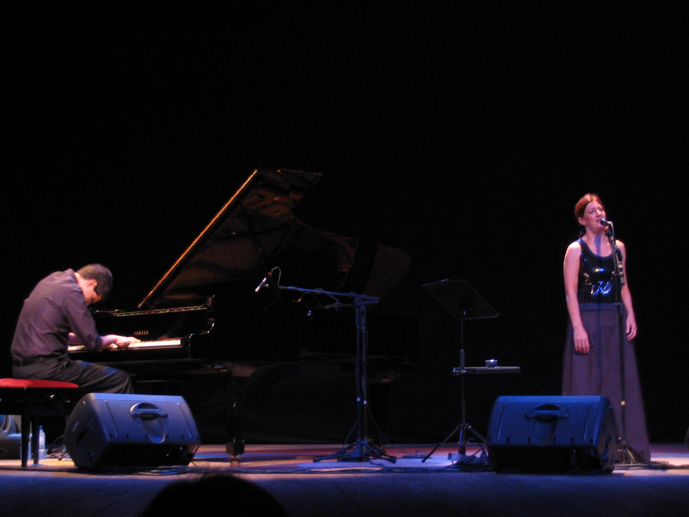 André Mehmari e Ná Ozzetti