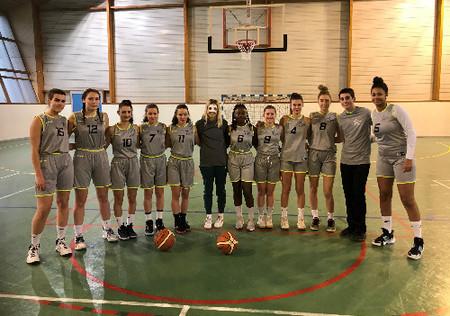 Equipe filles section sportive basket - lycée