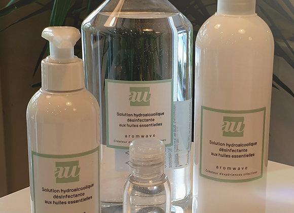 Solution hydroalcoolique désinfectante renforcée aux huiles essentielles