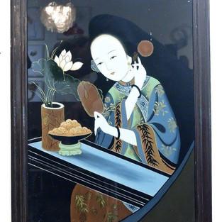 Dame mit Spiegel und Lotusblüte