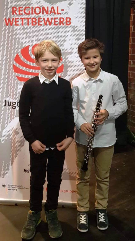 Mateo Gericke Barrio, Oboe mit Raphael Badiou-Bleek, Klavier beide Schüler der Musikschule Kettwig 24 Punkte, AG 1b
