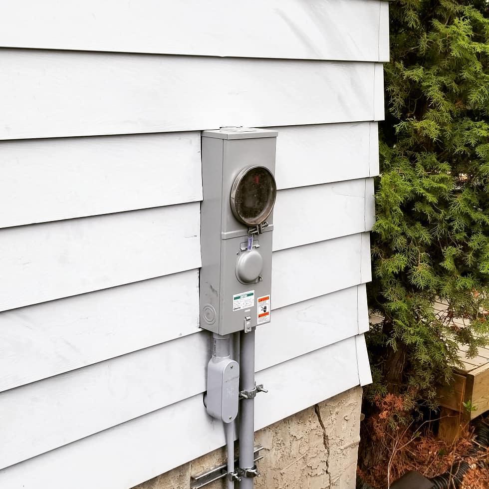 New Meter Socket/ Disconnect Combo