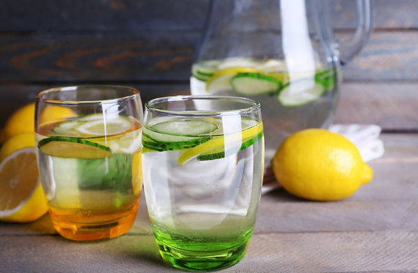 healthy-water-with-lemon-and-cucumber.jp