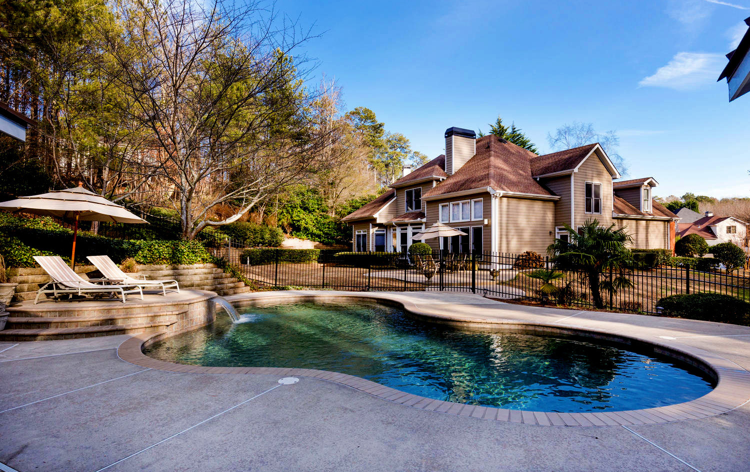 SOLD for $556,500 - Represented Seller