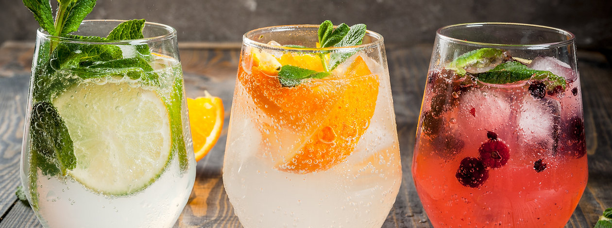 Selection of three kinds of gin tonic_ w