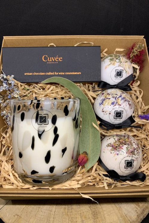 Dalmation Trio Cuvee Chocolate and Spabombs (3) Hamper
