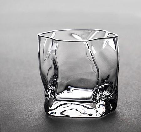 Levi_London Signature Glass36.jpg