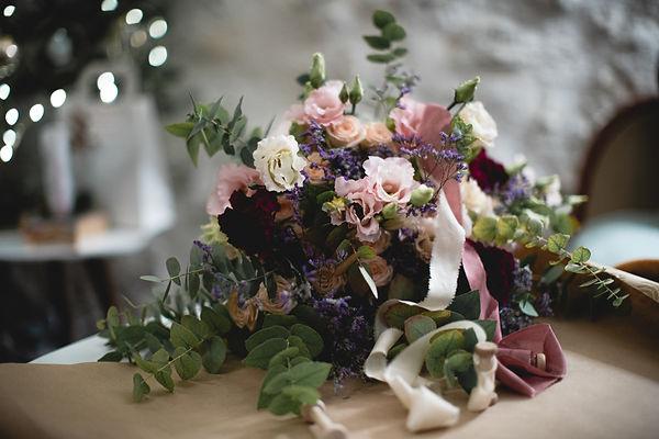 Bouquet de mariée et rubans en soie teints à la main