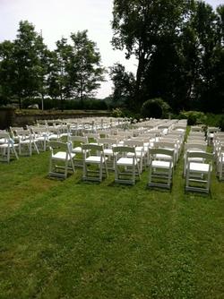 Wedding set toward arch