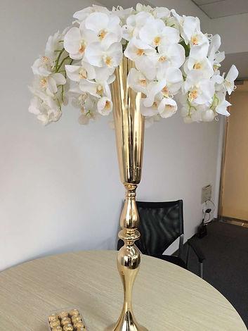 gold vases 5.jpg