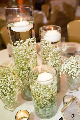 Submerged-Babys-Breath-for-a-Winter-Wedd