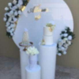 Diameter-2m-white-acrylic-circle-wedding
