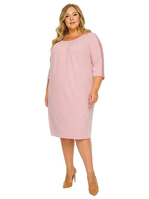 Платье прямое с кружевной вставкой на рукавах цвета сомон