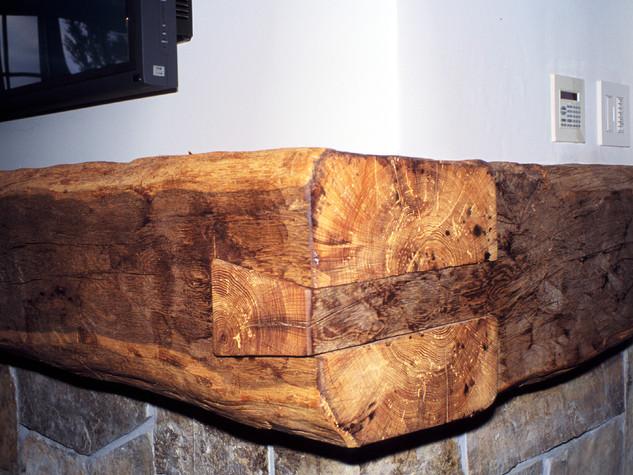 McGlashan fireplace mantel corner detail