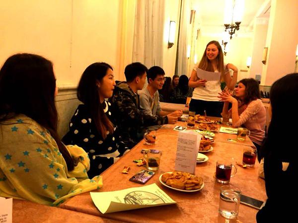 Международный центр провел экскурсию для иностранных студентов Московского университета.