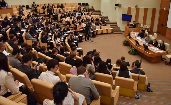 Активисты Студенческого Союза МГУ на Пленарном заседании Молодежного парламента при Государственной