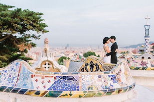 Wedding-pictures-in-Barcelona-3-Park-Gue