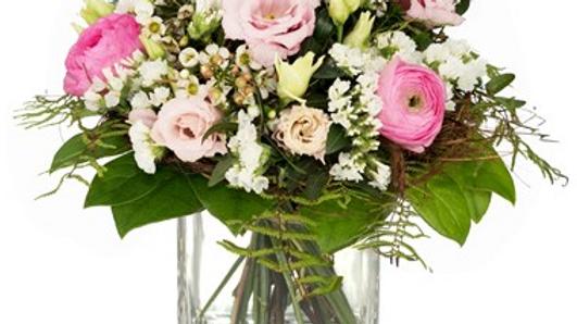 S4 - Blumenstrauss mit roter Rose