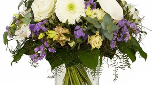 S6 - Blumenstrauss in weiß-lila