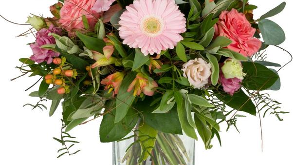 S8 - Blumenstrauss in rosa-lachs