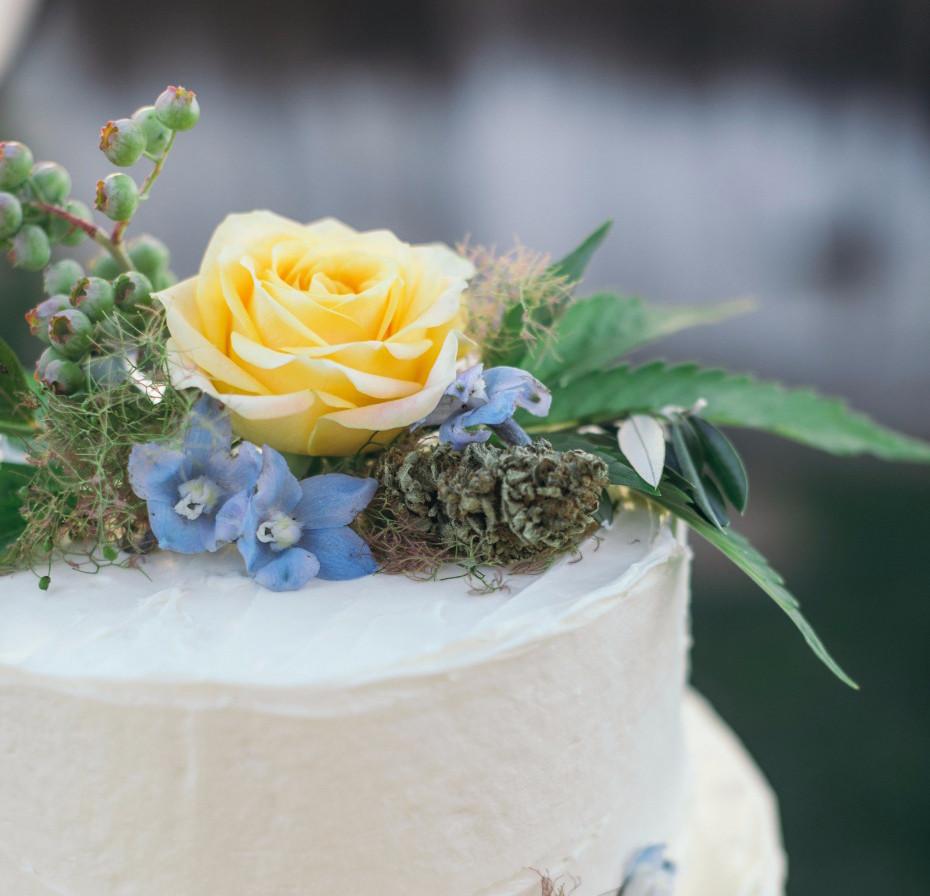 Cannabis wedding cake