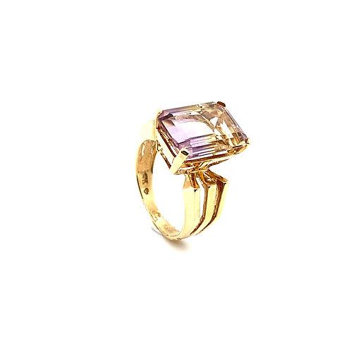 Gorgeous 14K Gold 4 Carat Amethyst Ring